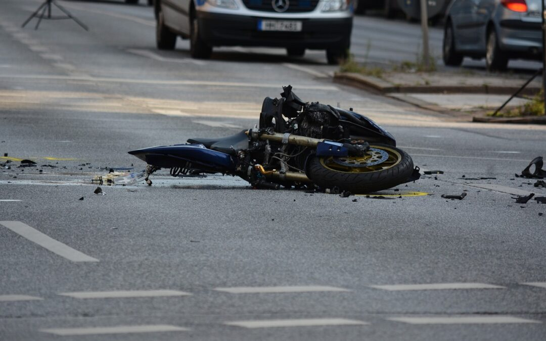 Man seriously injures leg in motorcycle accident in Chicopee